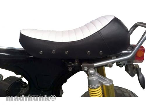 DX CAFE STYLE SEAT WHITE WITH BACK SIDES