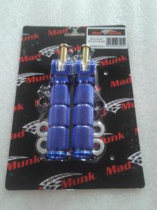 MAD MUNK SMALL DIAMETER FOOTPEGS IN BLUE  FOR DX AND MUNK